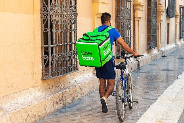 Livreur Uber Eats à vélo